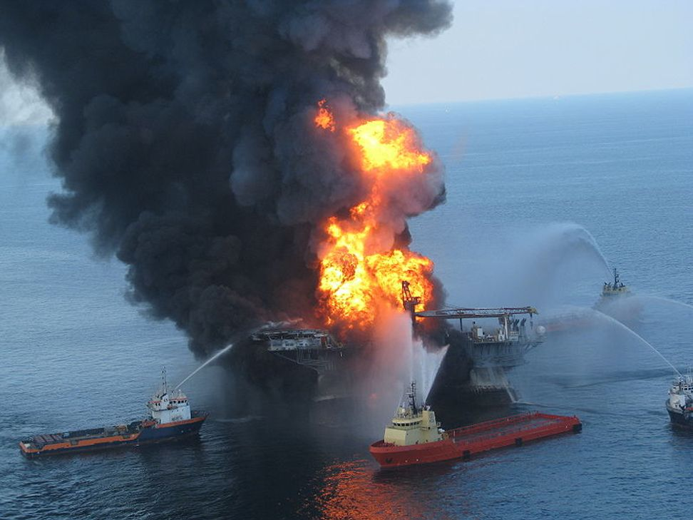 """What happened to the oil from the Deepwater Horizon spill? """"Marine snow"""" provides a clue 