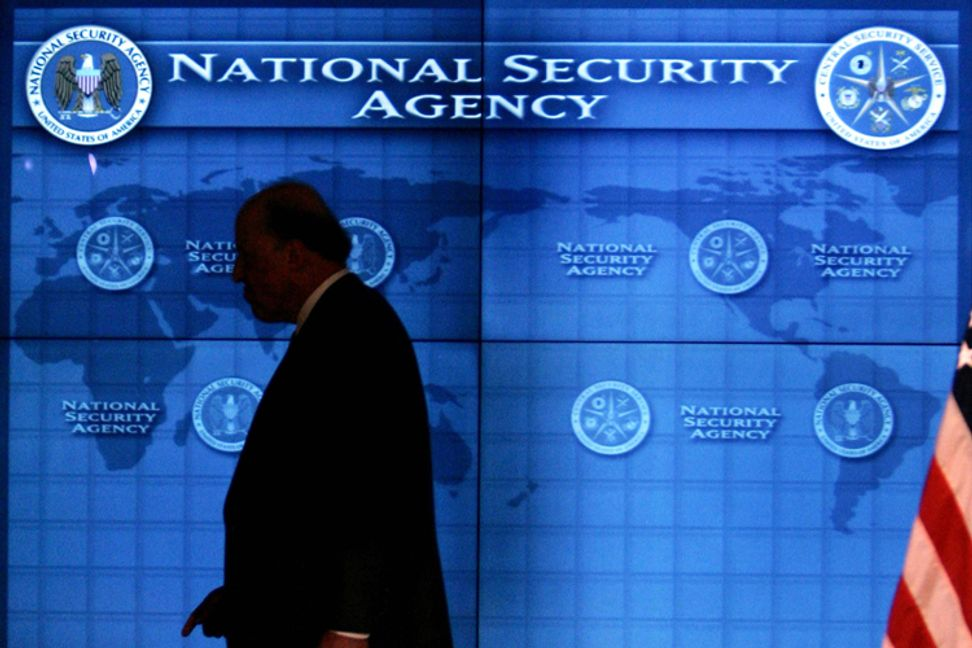NSA employee resigns after admitting he aided Snowden