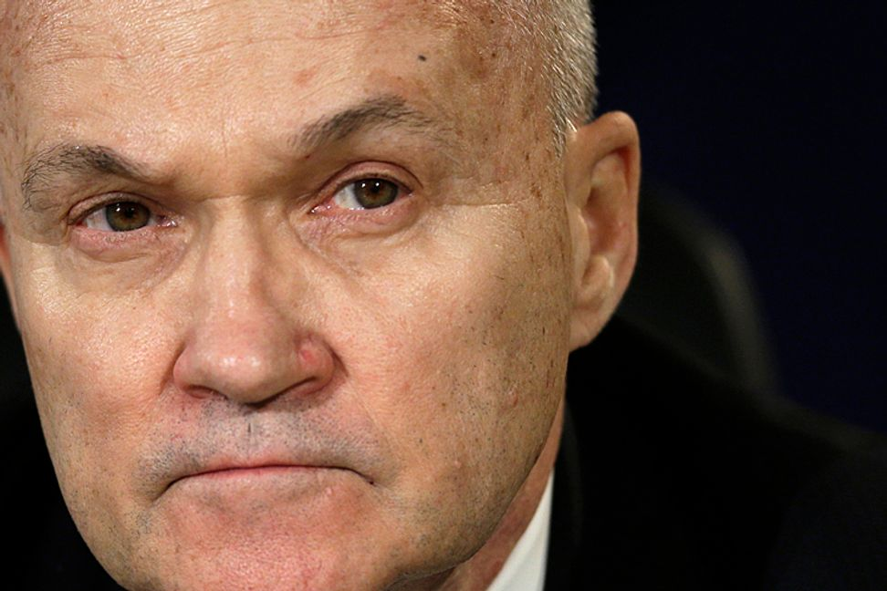 NYPD chief Ray Kelly in talks to join JPMorgan Chase