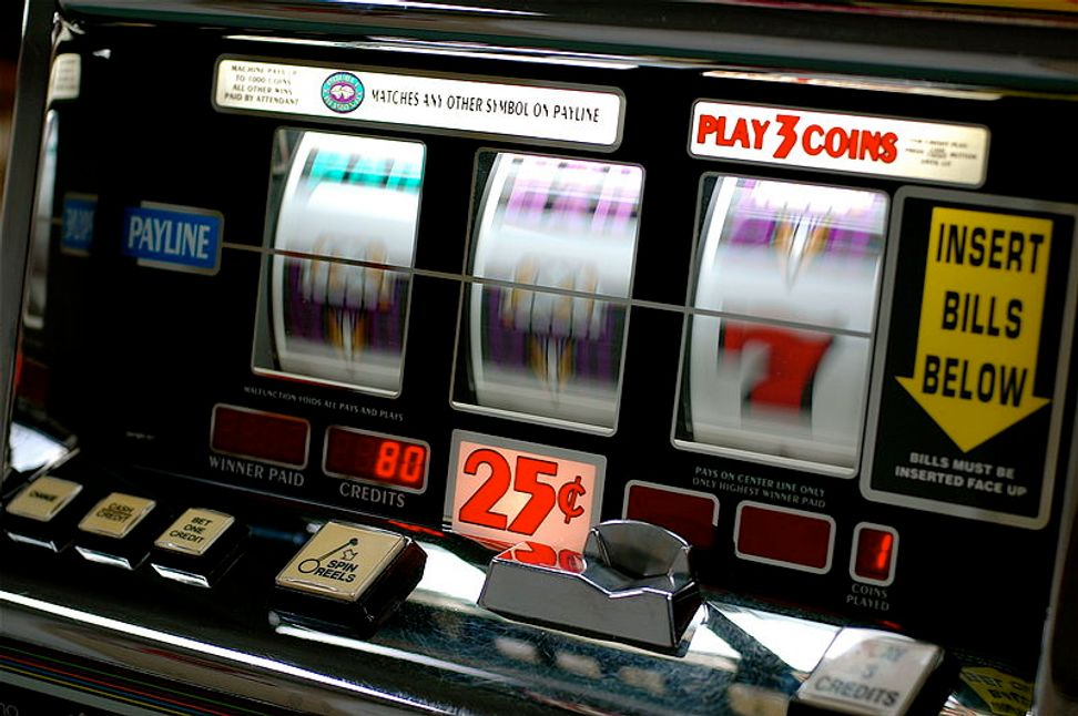 """Gambling brain"" studies make clear why it's hard to stop rolling the dice"