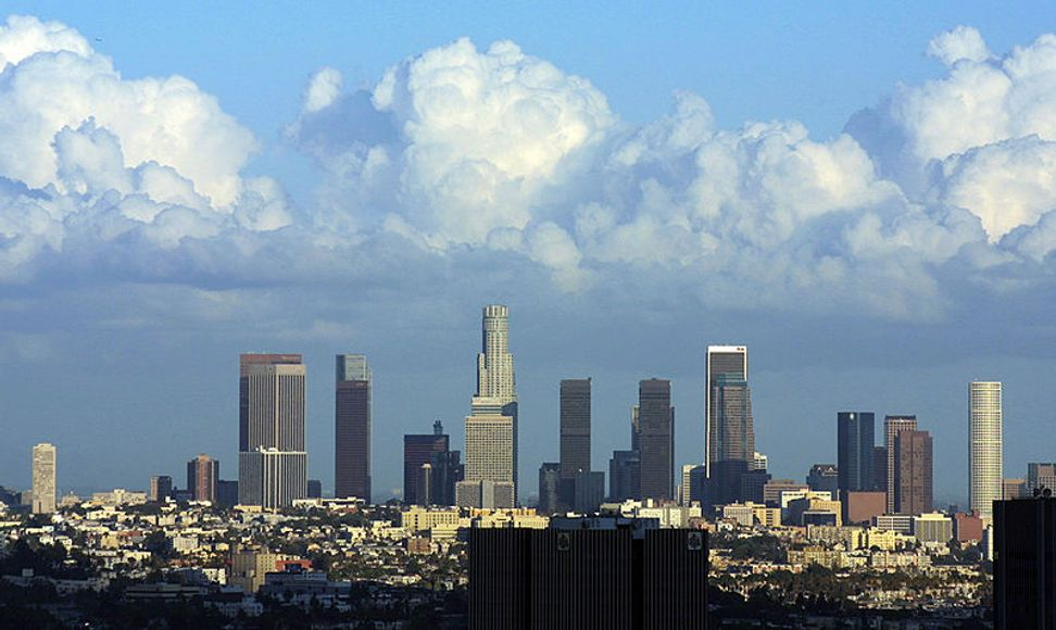 Los Angeles could become the largest U.S. city to offer free Wi-Fi