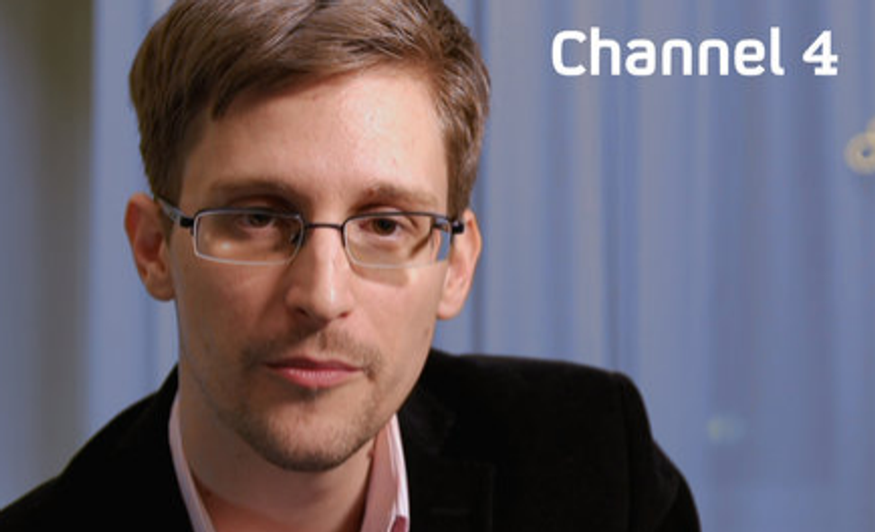 Snowden's holiday message: Privacy matters