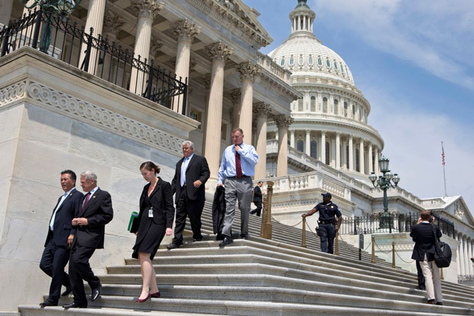Congress is even more sexist than you think: Why some men refuse to be alone with female staffers