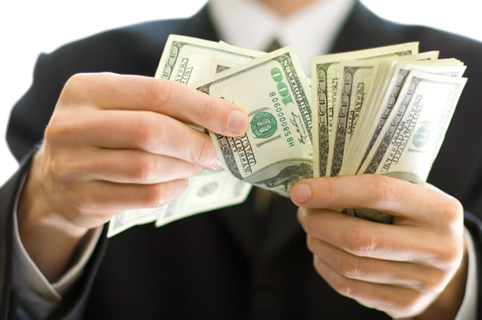 7 weird things money does to your brain