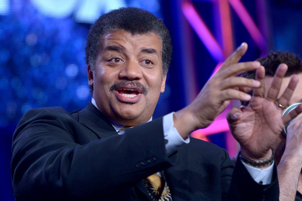 """Neil deGrasse Tyson gives """"Interstellar"""" a surprise science review"""