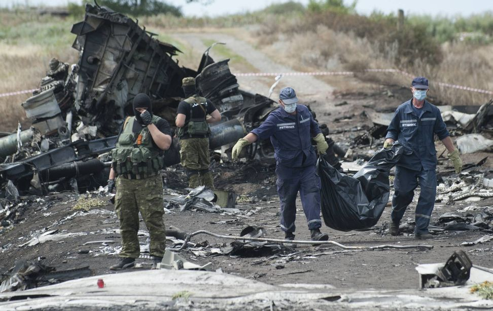 Update: Rebels to hand Malaysia Airlines flight MH17 black box over to Malaysia government