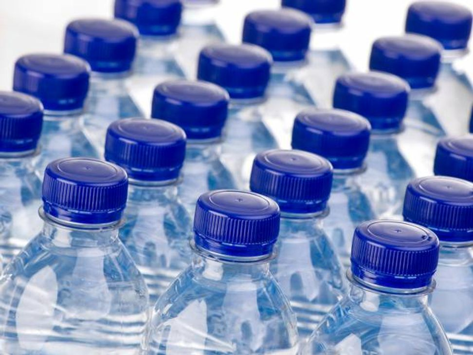 We're drinking ourselves to death: The alarming numbers behind our bottled water addiction | Salon.com