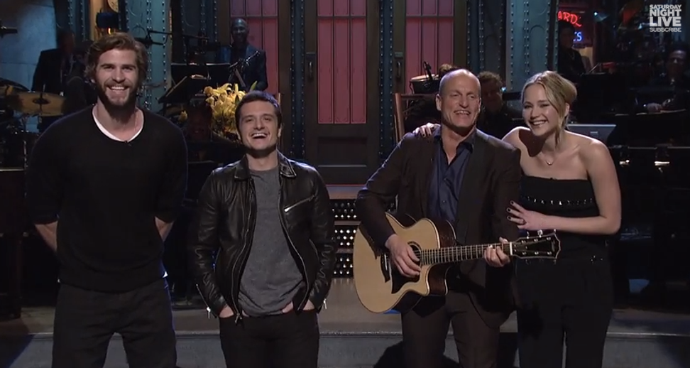 """Jennifer Lawrence and the """"Hunger Games"""" cast crash Woody Harrelson's """"SNL"""" monologue"""