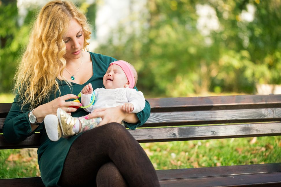Motherhood is lonely -- and new moms have it the worst