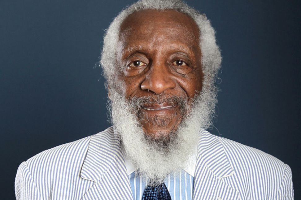"""""""You think the f*cking Tea Party determines public policy?"""": Dick Gregory on racism, the 1 percent and why black Americans are angry at the wrong people"""