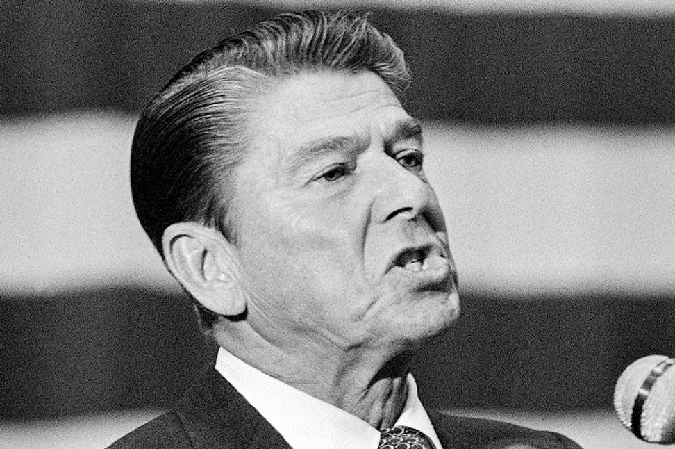 "Ronald Reagan's ""welfare queen"" myth: How the Gipper kickstarted the war on the working poor 