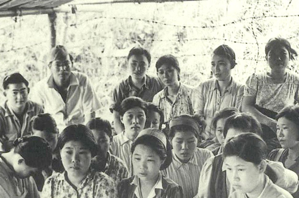 "A guide to the literature of Japan's ""comfort women"": Comfort station survivors tell their stories 