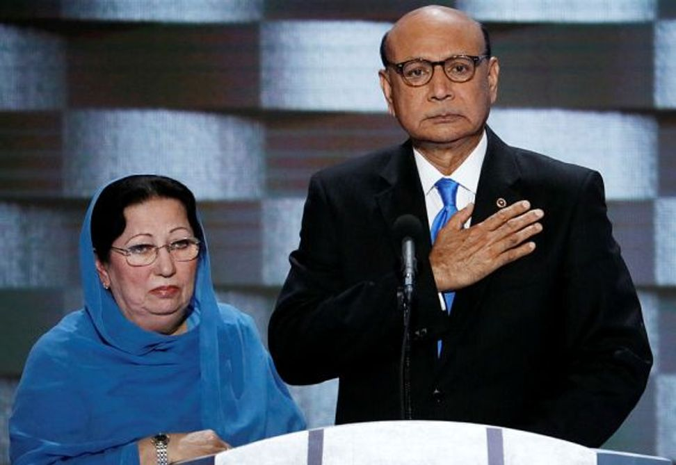 WATCH: Father of fallen U.S. Muslim soldier trolls Trump with a copy of his pocket Constitution at DNC