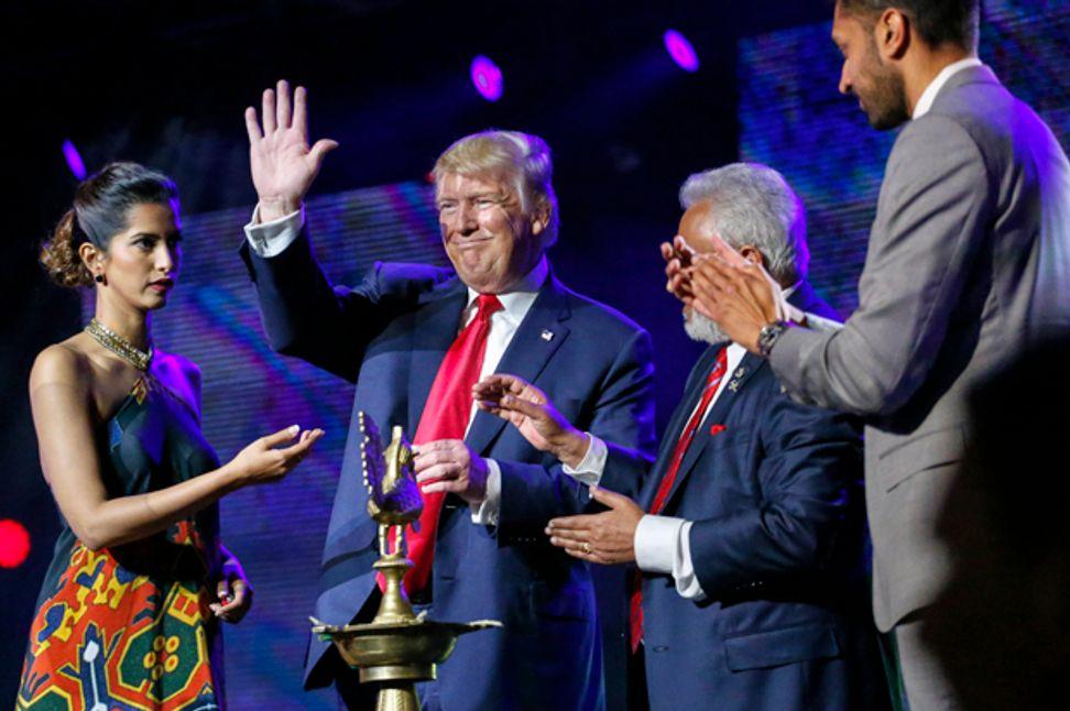 """I am a big fan of Hindu"": Donald Trump's hideous love affair with Hindu nationalism | Salon.com"