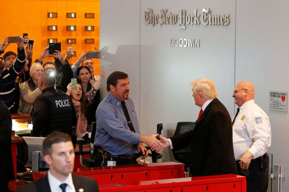 Robert Reich: Donald Trump's 7 techniques to control the media