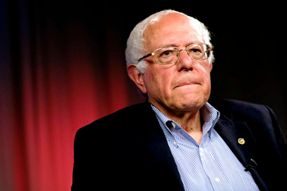 Bernie Sanders brilliantly responds to President Trump's threat of stripping Congress' health insurance