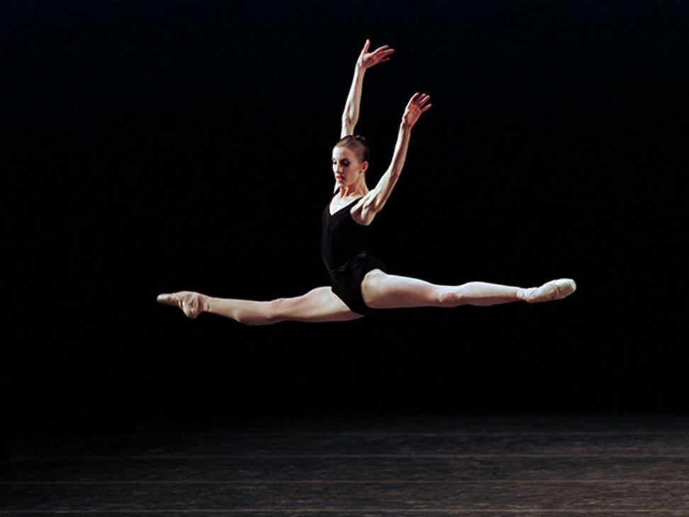 WATCH: Cameras capture moment legendary ballerina decides to end her career