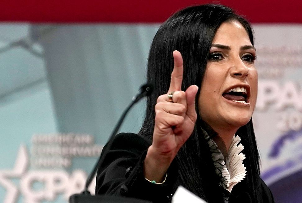 "NRA spokesperson Dana Loesch to ""Fox & Friends"": ""I'm not a partisan zealot"""