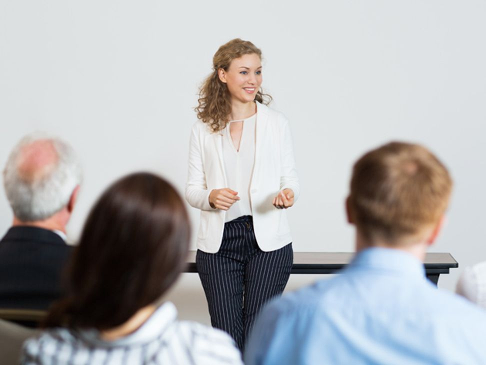 This training shows you how to ace your next speaking gig